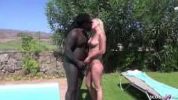 El sexo anal de la caliente Milf Kacy Kisha en las vacaciones